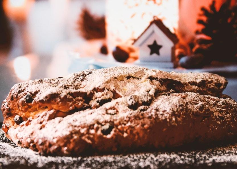 Der beste Christstollen mit Marzipan und Cranberries