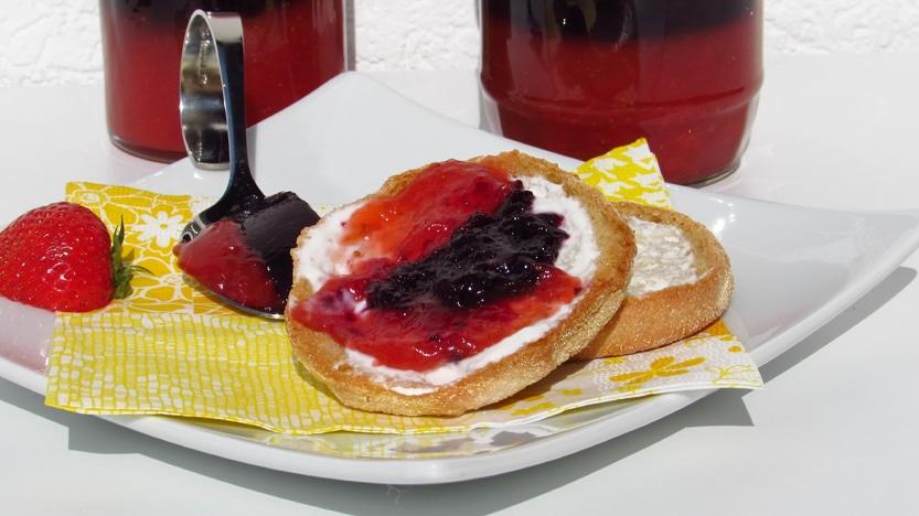 Erdbeer-Heidelbeerkonfitüre
