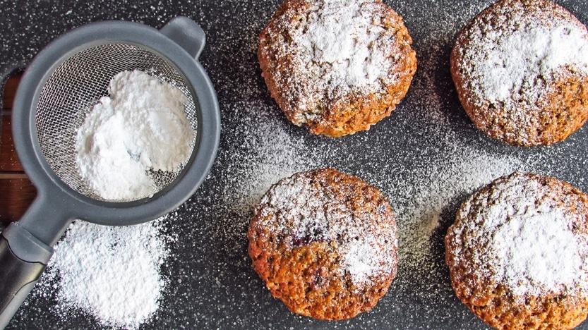 Frischkäse Muffins mit Himbeeren und  Zitrone