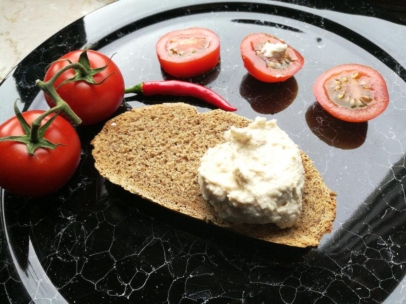 Gastbeitrag Veganer Frischkäse, veganes Tzatziki sowie vegane Sahne