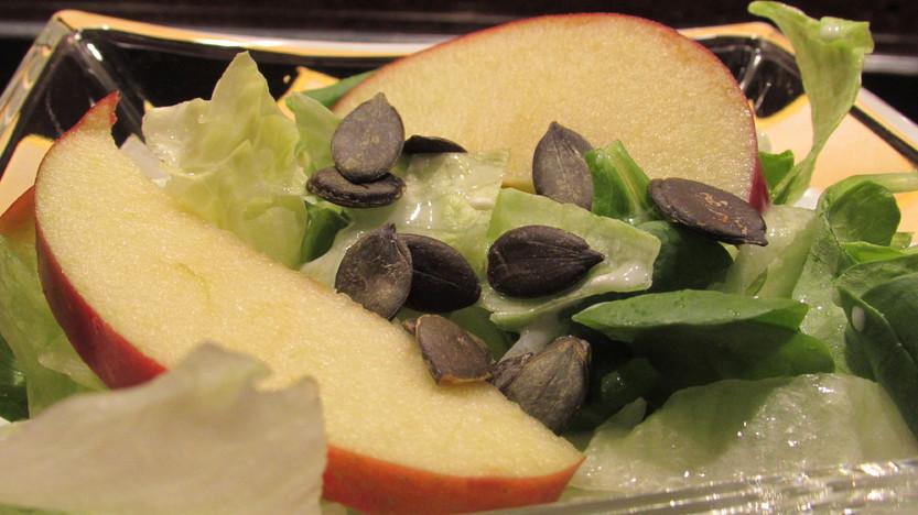 Gemischter, fruchtiger  Salat