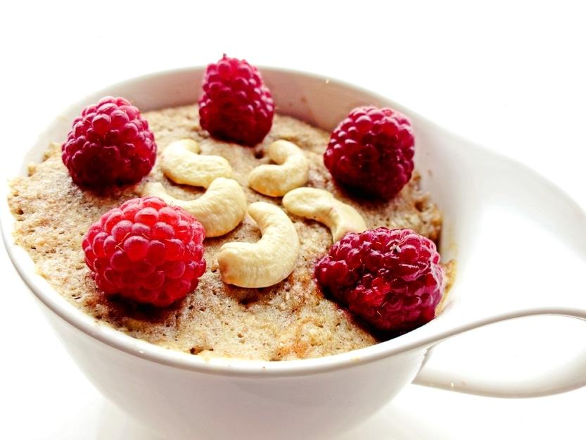 Gesunder Frühstücksmuffin in der Tasse