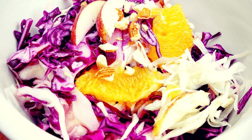 Gesunder, fruchtiger Krautsalat zum Selbermachen