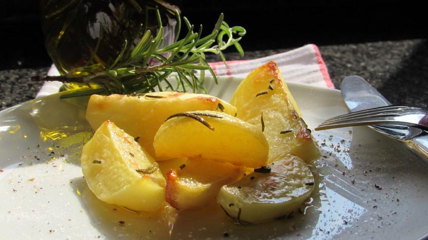Pommes de terre romarin  au four