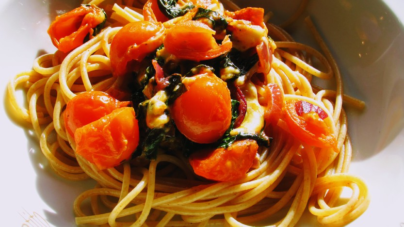 Spaghetti con Spinaci e Pomodoro