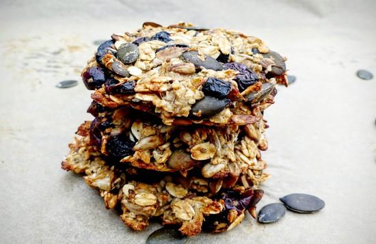 Lasst Euch die gesunden Frühstückskekse schmecken!