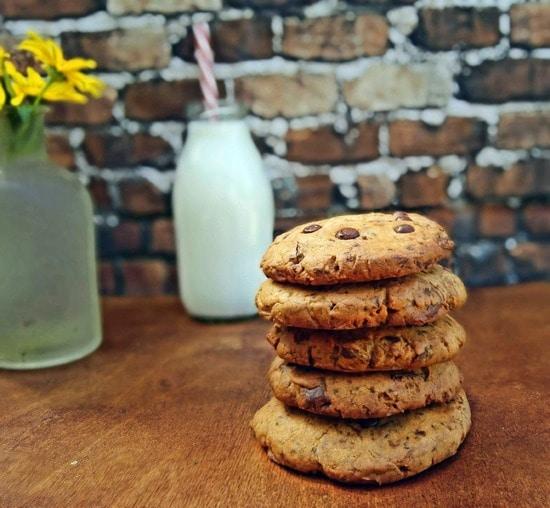 Alle Kekse noch auskühlen lassen, bevor sie gegessen werden, damit sie schön mürbe sind.